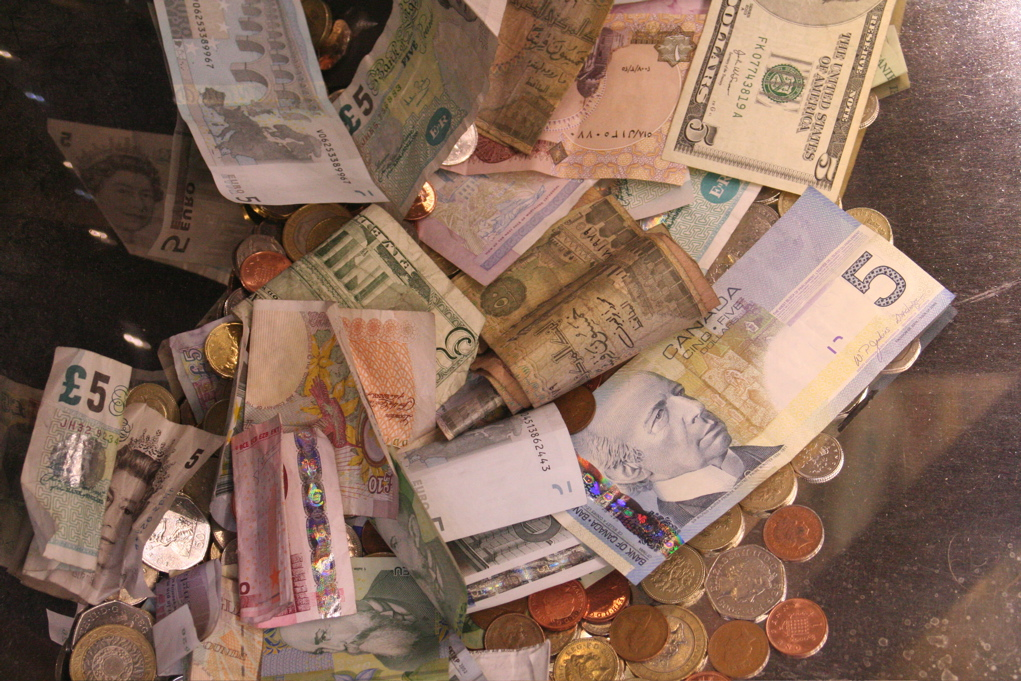 Në Itali, pagesa mbi 2000 euro nga sot janë të ndaluara