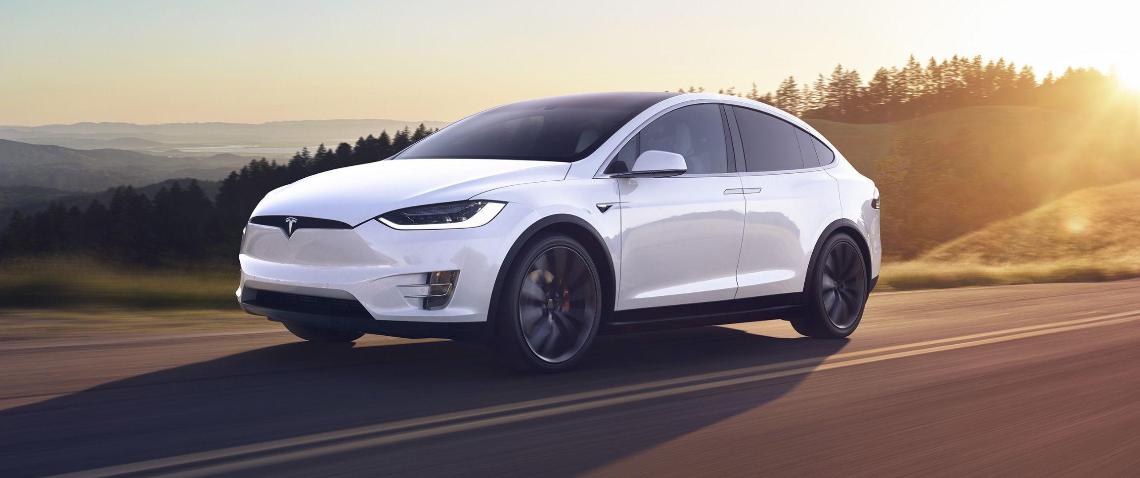 Tesla feston, Peugeot përgatit armë, Renault në krizë me Nissan