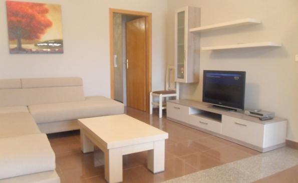 Kerkohet te blihet apartament ne pallatet e vjetra ne Lushnje!